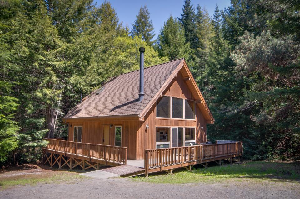 Redwood Rest - Mendocino Vacation Rental