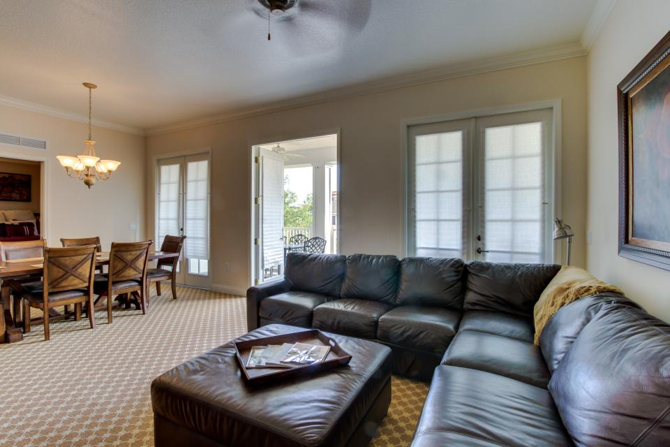 The Terraces On The Green - Reunion Vacation Rental - Photo 3