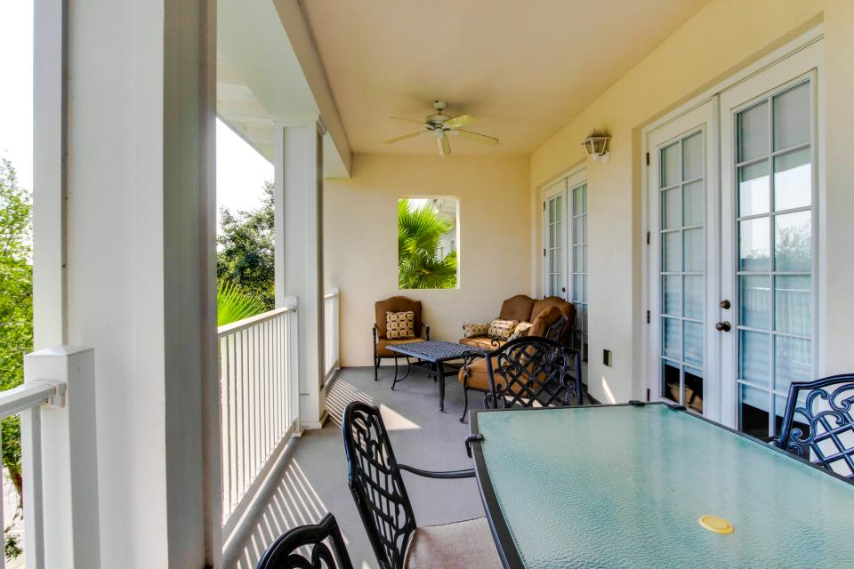 The Terraces On The Green - Reunion Vacation Rental - Photo 21