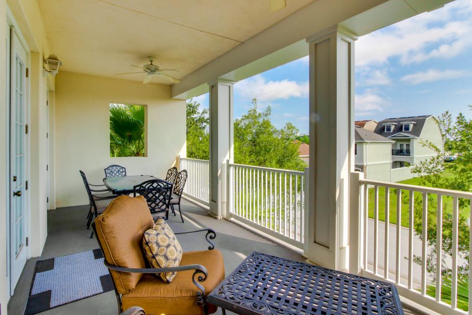 The Terraces On The Green - Reunion Vacation Rental - Photo 1