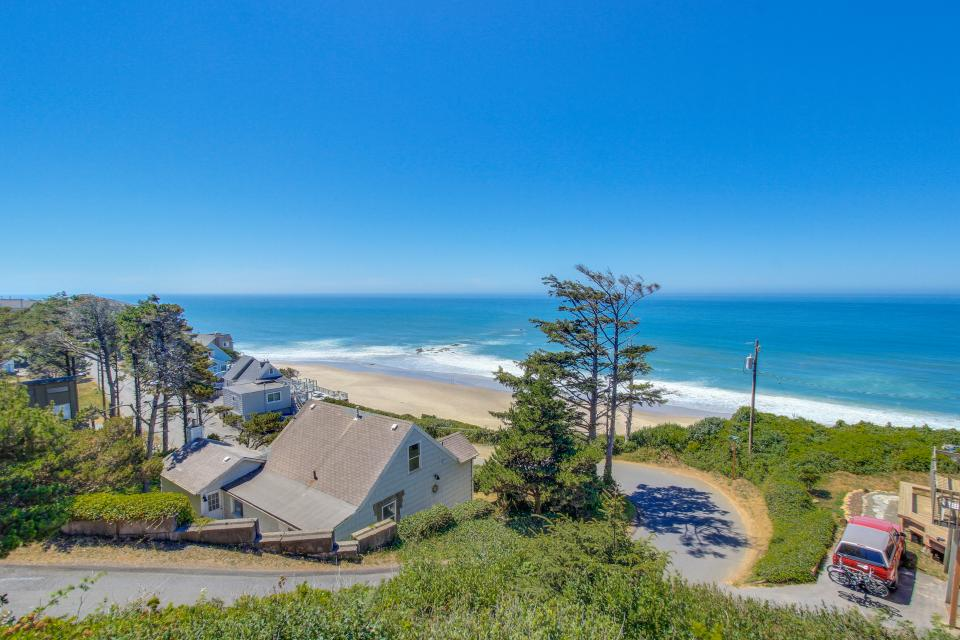 Luxury Ocean Escape - Lincoln City Vacation Rental - Photo 2