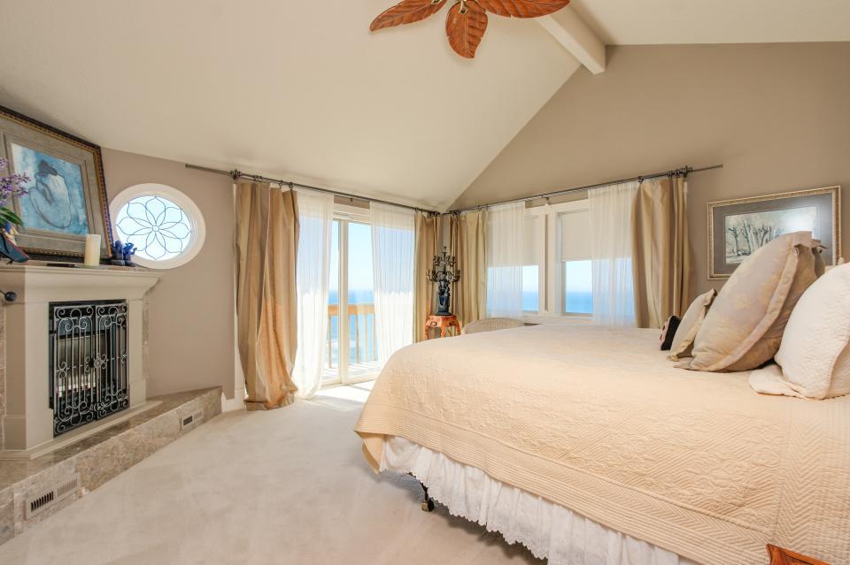 Luxury Ocean Escape - Lincoln City Vacation Rental - Photo 23