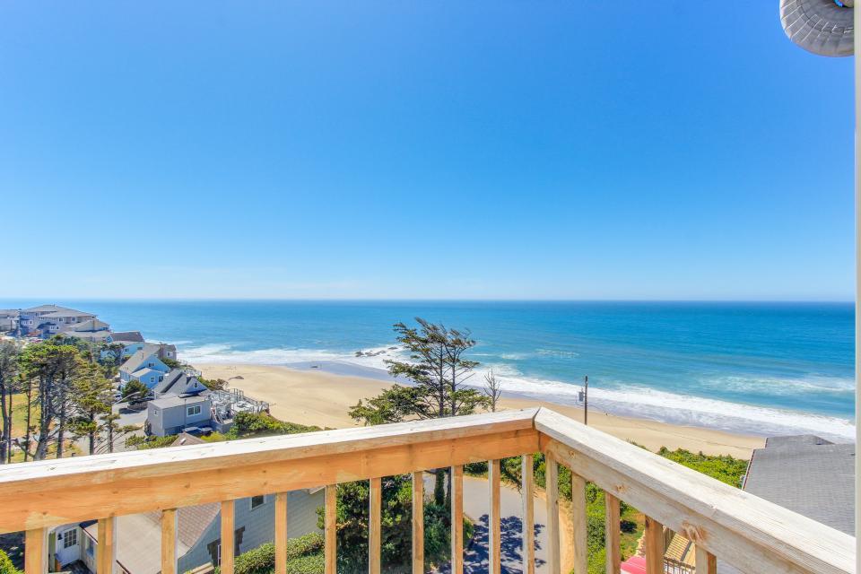 Luxury Ocean Escape - Lincoln City Vacation Rental - Photo 24