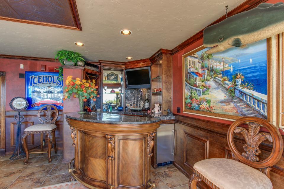 Luxury Ocean Escape - Lincoln City Vacation Rental - Photo 13