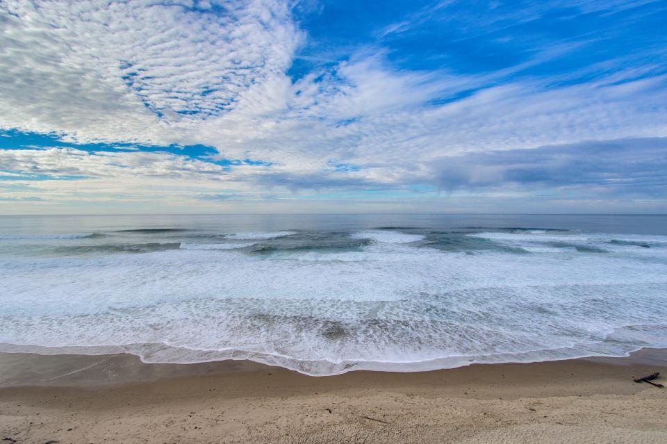 Luxury Ocean Escape - Lincoln City Vacation Rental - Photo 28