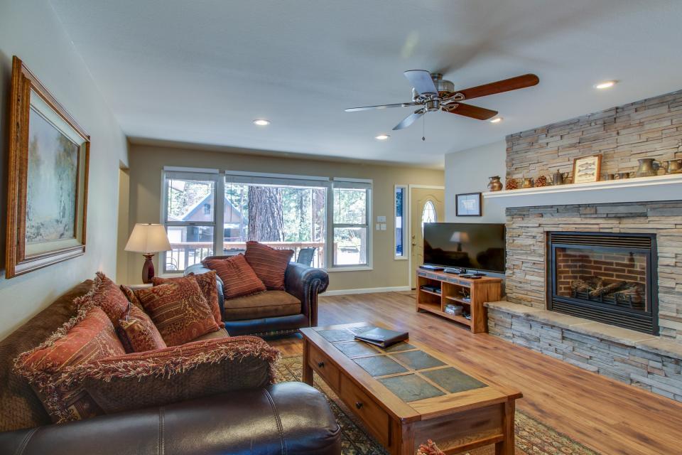 California Pines Family Home - South Lake Tahoe - Take a Virtual Tour