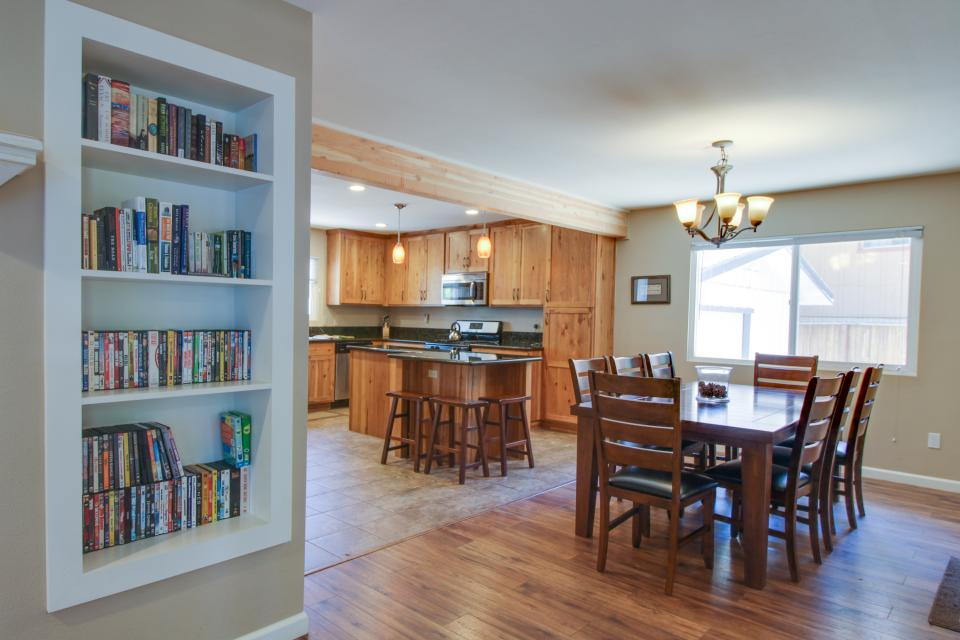 California Pines Family Home - South Lake Tahoe Vacation Rental - Photo 29