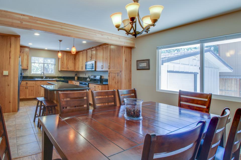 California Pines Family Home - South Lake Tahoe Vacation Rental - Photo 8