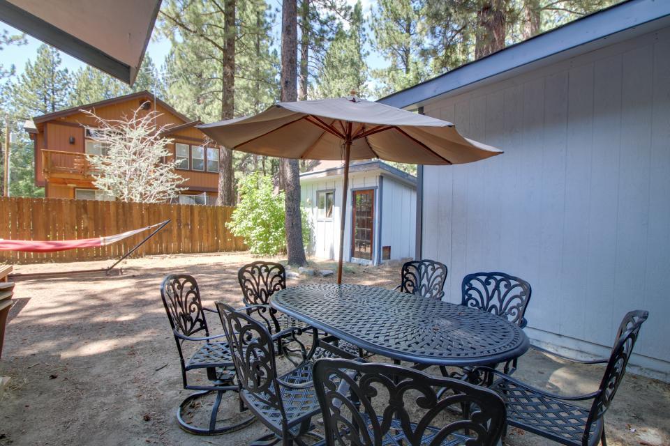 California Pines Family Home - South Lake Tahoe Vacation Rental - Photo 4