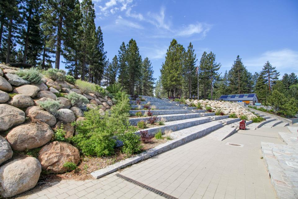 Spruce Grove Snowshoe Cabin - South Lake Tahoe Vacation Rental - Photo 27