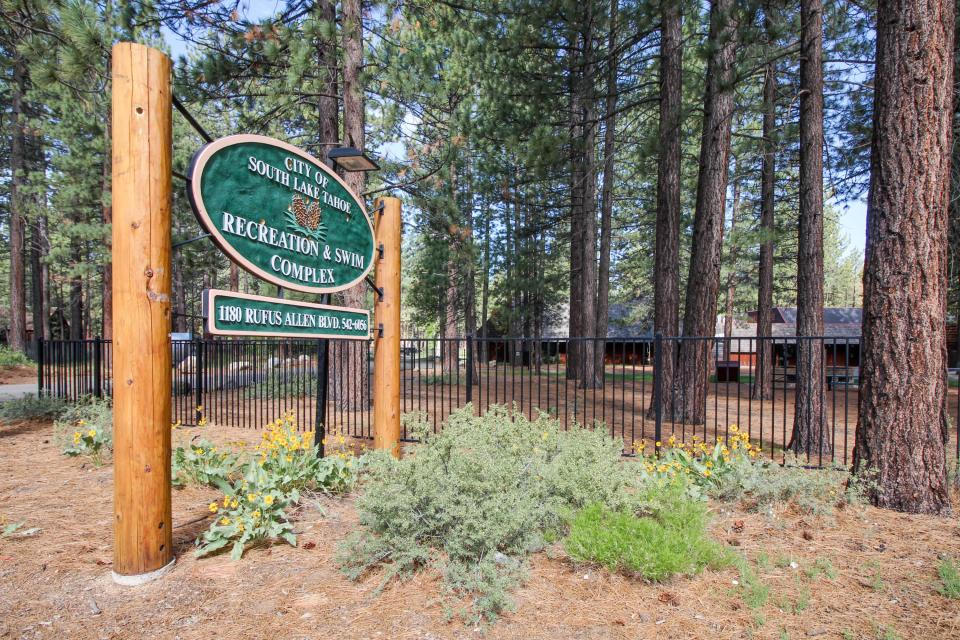 Spruce Grove Steamer Tahoe Cabin Condo - South Lake Tahoe Vacation Rental - Photo 24