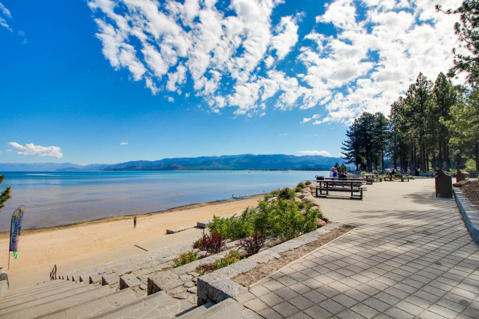 Spruce Grove Steamer Tahoe Cabin Condo - South Lake Tahoe Vacation Rental - Photo 28