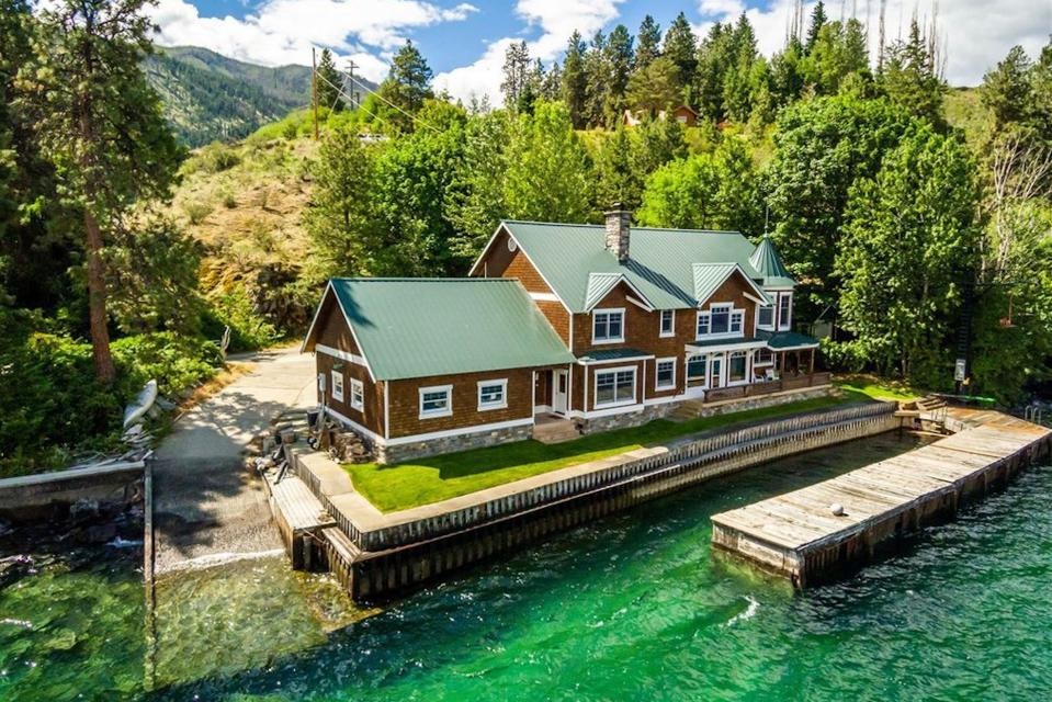 Captain's Lighthouse Lodge - Chelan Vacation Rental