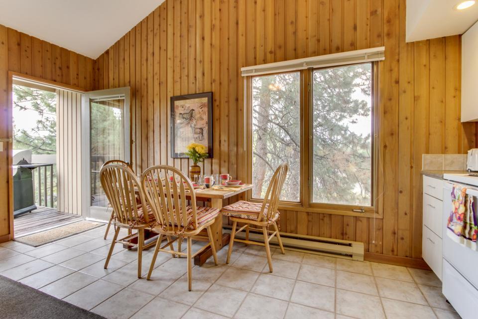 ... Mt Bachelor Village Ski House #244   Bend Vacation Rental   Photo ...