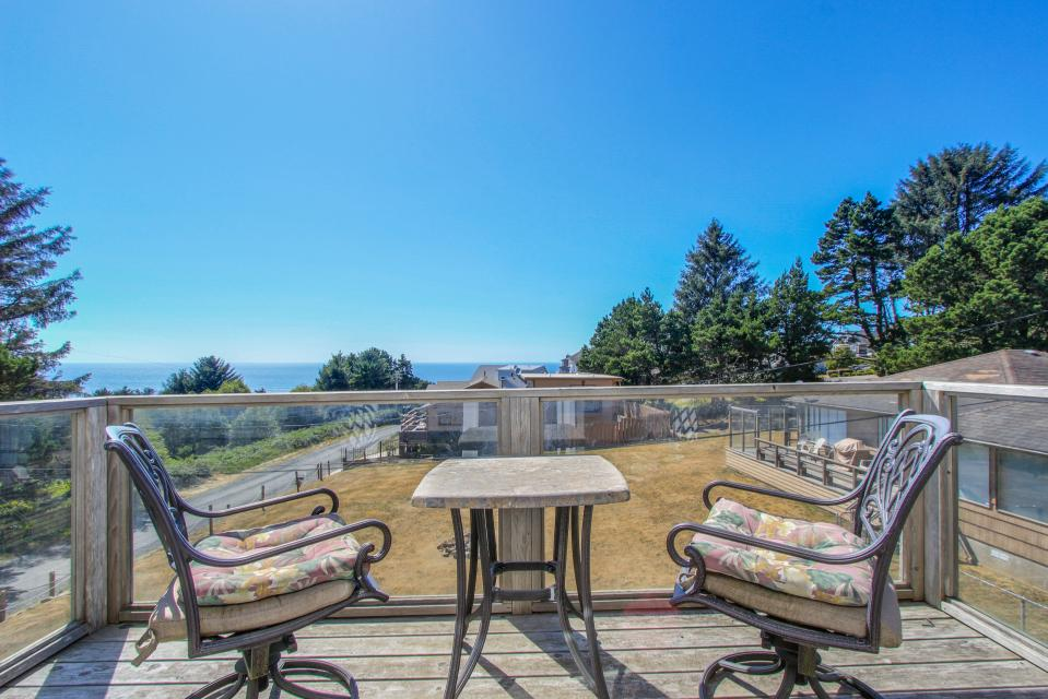 Crystal Rose Luxury Home - Lincoln City Vacation Rental - Photo 3