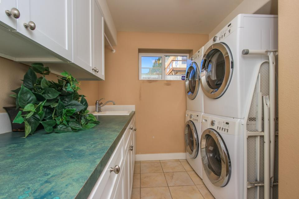 Crystal Rose Luxury Home - Lincoln City Vacation Rental - Photo 26