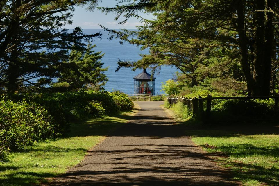 Sky Beach Cabin #2 - Oceanside Vacation Rental - Photo 26