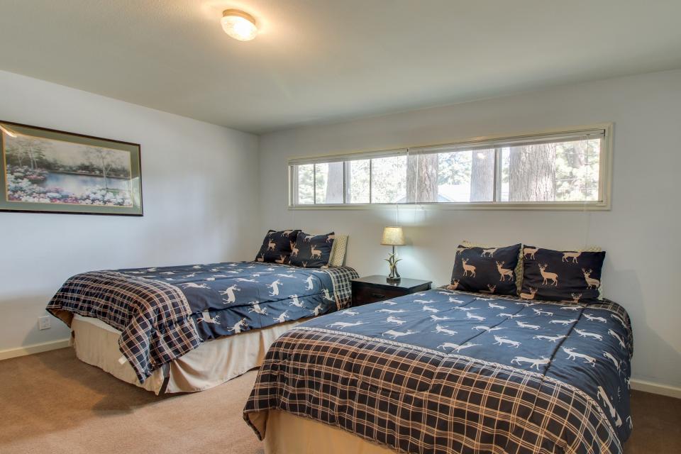 California Pines Family Home - South Lake Tahoe Vacation Rental - Photo 24