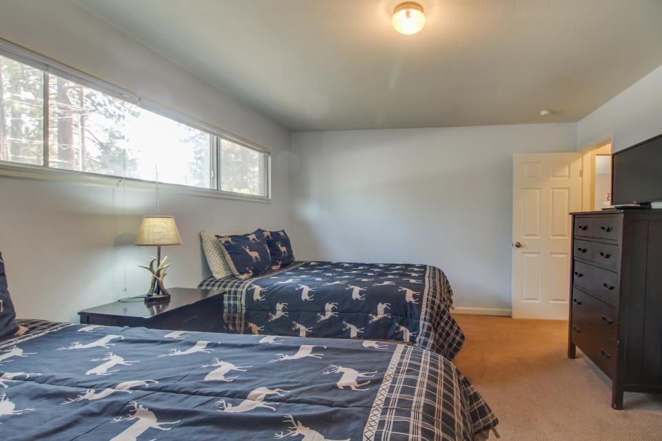 California Pines Family Home - South Lake Tahoe Vacation Rental - Photo 26
