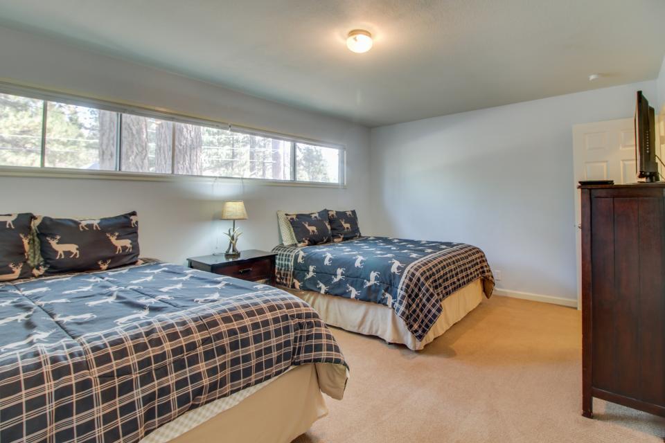 California Pines Family Home - South Lake Tahoe Vacation Rental - Photo 25