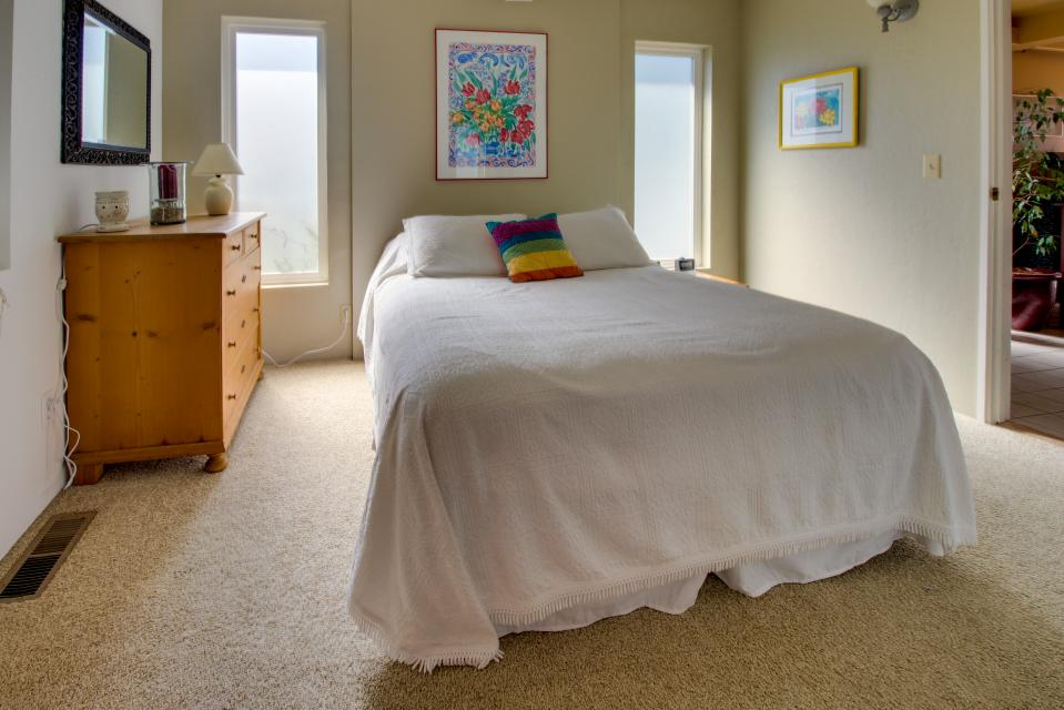 Summer House   - Seaside Vacation Rental - Photo 11