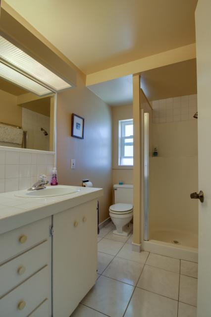 Summer House   - Seaside Vacation Rental - Photo 39