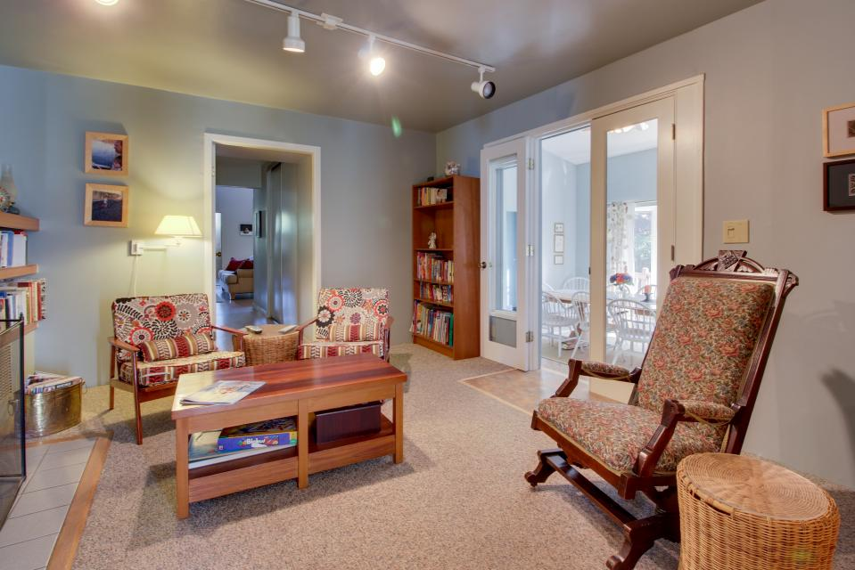Summer House   - Seaside Vacation Rental - Photo 14