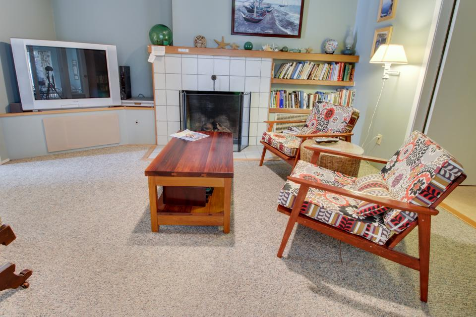 Summer House   - Seaside Vacation Rental - Photo 22