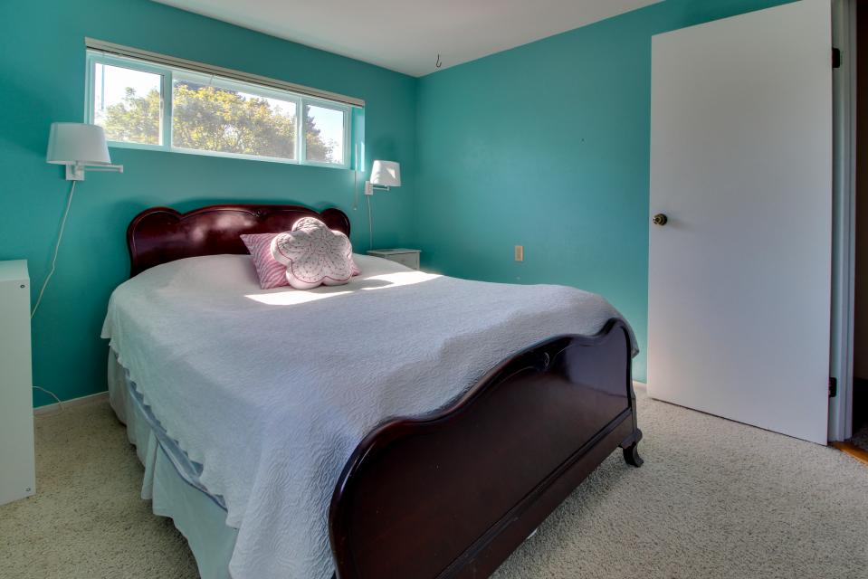 Summer House   - Seaside Vacation Rental - Photo 6