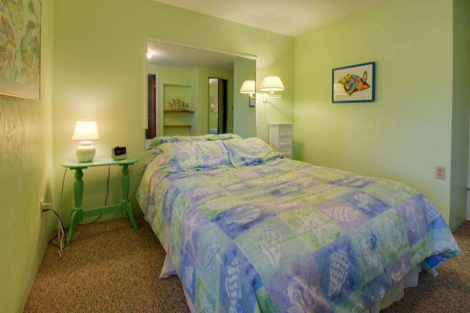Summer House   - Seaside Vacation Rental - Photo 17