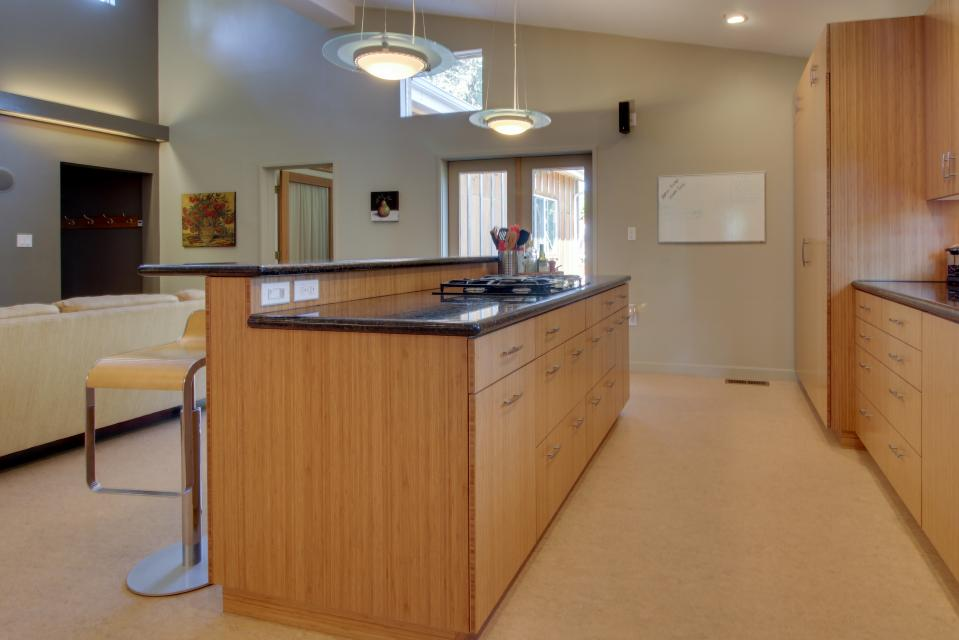 Summer House   - Seaside Vacation Rental - Photo 35