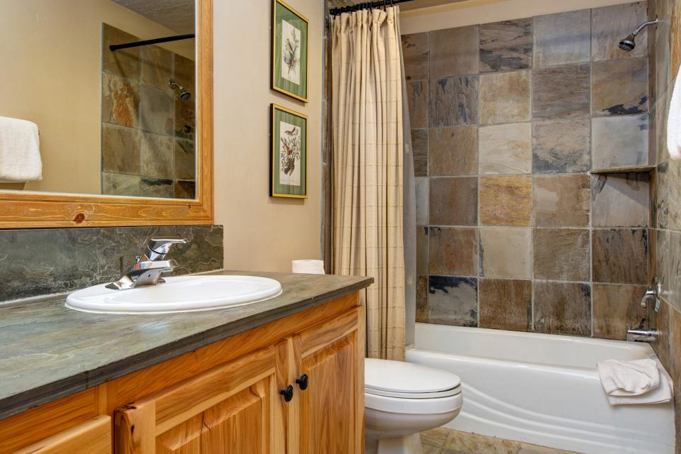 Bobsled Townhome with Private Hot Tub - Park City Vacation Rental - Photo 31