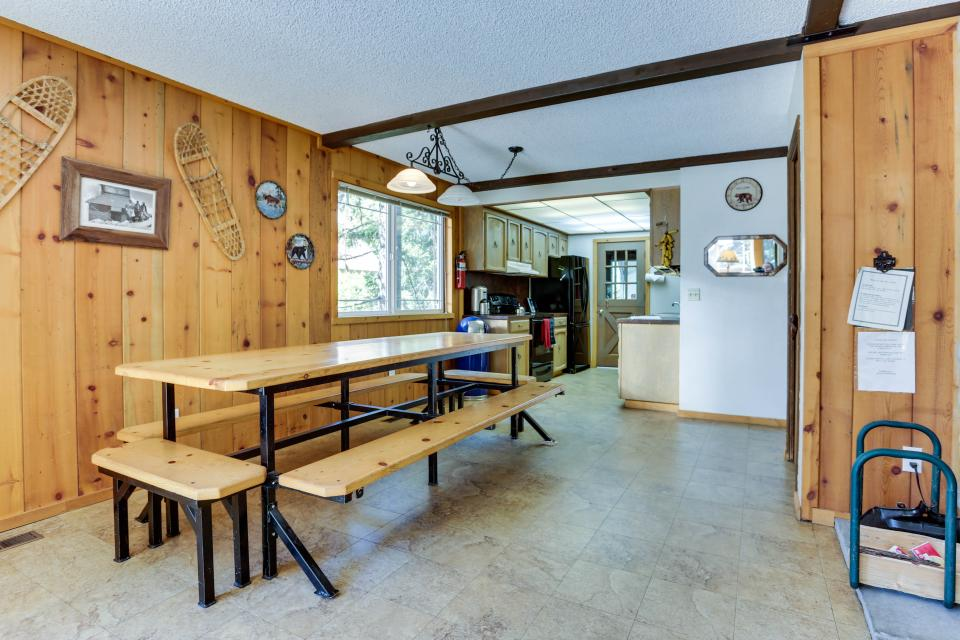 Mt Hood Chalet Vacation Rental - Government Camp Vacation Rental - Photo 25