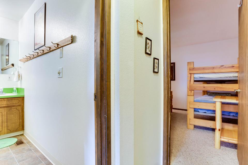 Mt Hood Chalet Vacation Rental - Government Camp Vacation Rental - Photo 32