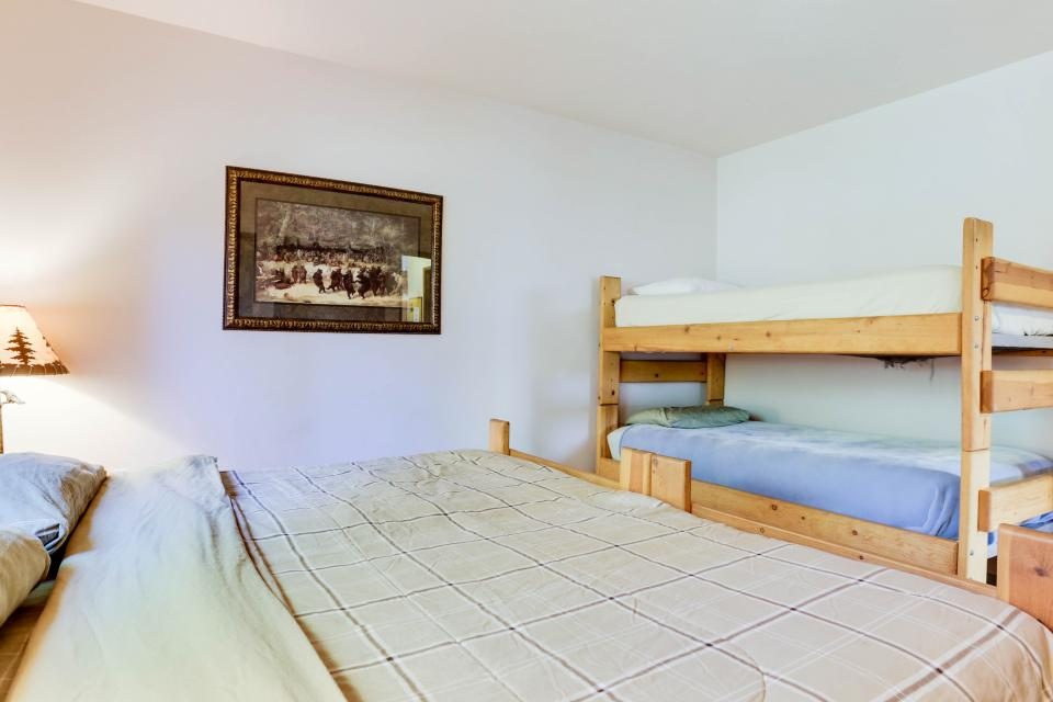Mt Hood Chalet Vacation Rental - Government Camp Vacation Rental - Photo 33