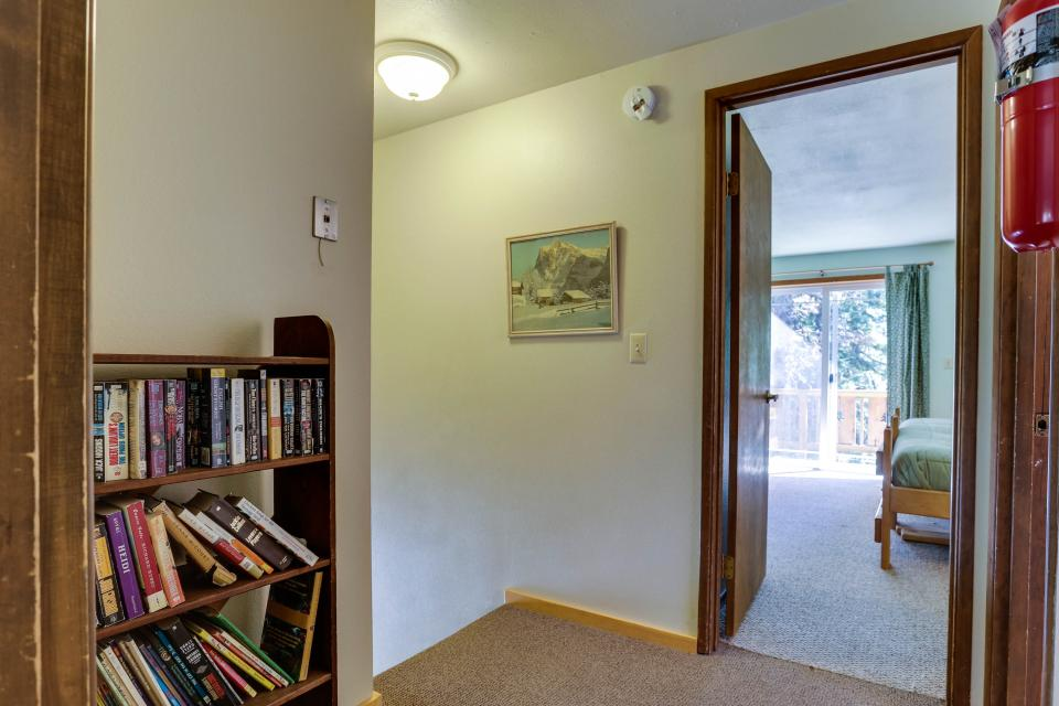 Mt Hood Chalet Vacation Rental - Government Camp Vacation Rental - Photo 28