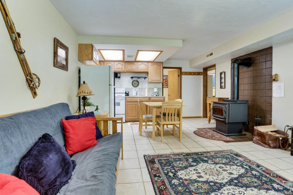 Mt Hood Chalet Vacation Rental - Government Camp Vacation Rental - Photo 18