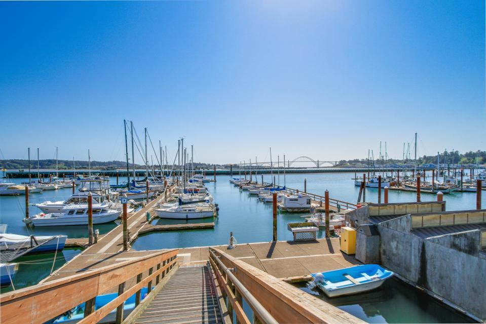 Embarcadero 401: Captain's Quarters - Newport Vacation Rental - Photo 2