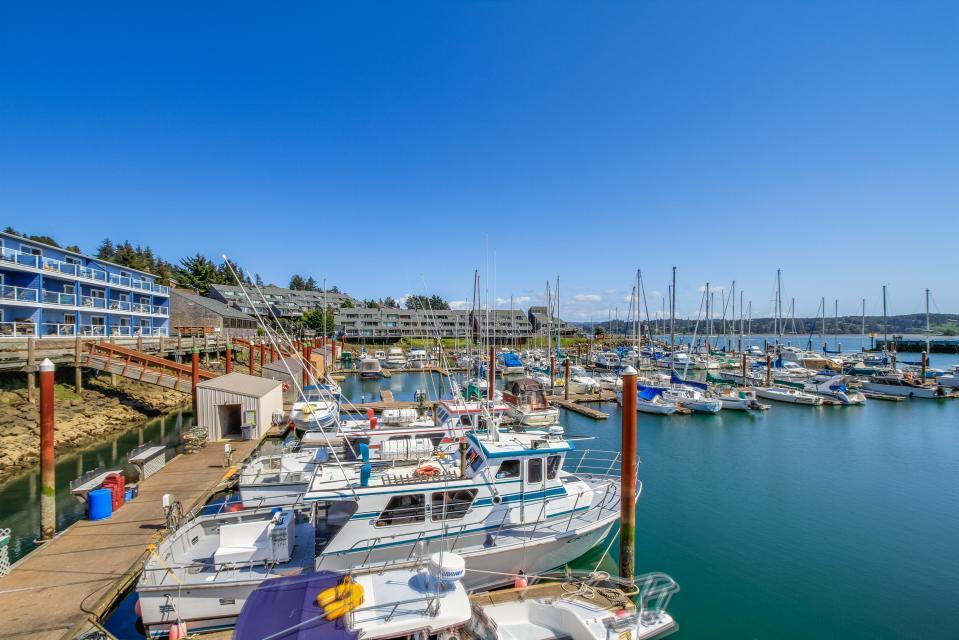 Embarcadero 401: Captain's Quarters - Newport Vacation Rental - Photo 15