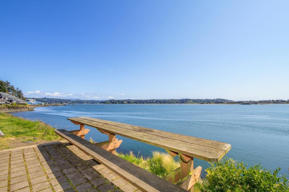 Embarcadero 401: Captain's Quarters - Newport Vacation Rental - Photo 18