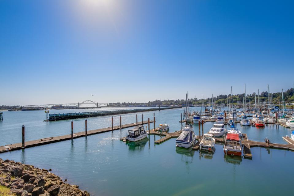 Embarcadero 401: Captain's Quarters - Newport Vacation Rental - Photo 17