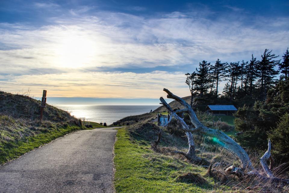 Beaches Inn | Sand Dune Townhouse - Cannon Beach Vacation Rental - Photo 20