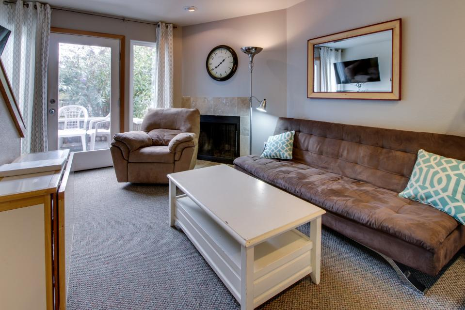 Beaches Inn Townhomes - Cannon Beach Vacation Rental - Photo 7