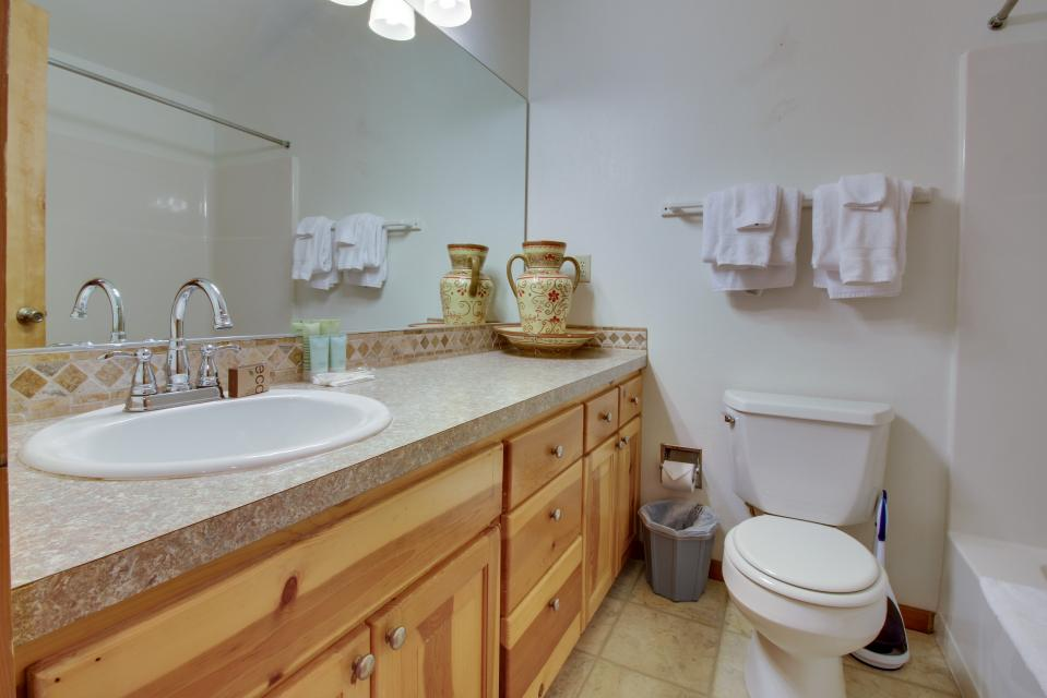 Beaches Inn Townhomes - Cannon Beach Vacation Rental - Photo 27