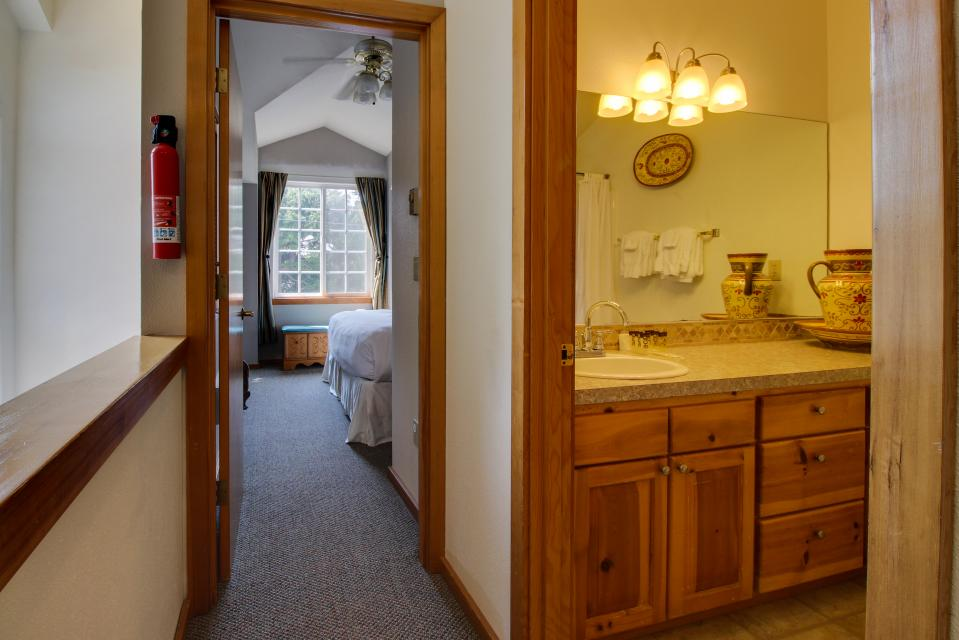 Beaches Inn Townhomes - Cannon Beach Vacation Rental - Photo 25