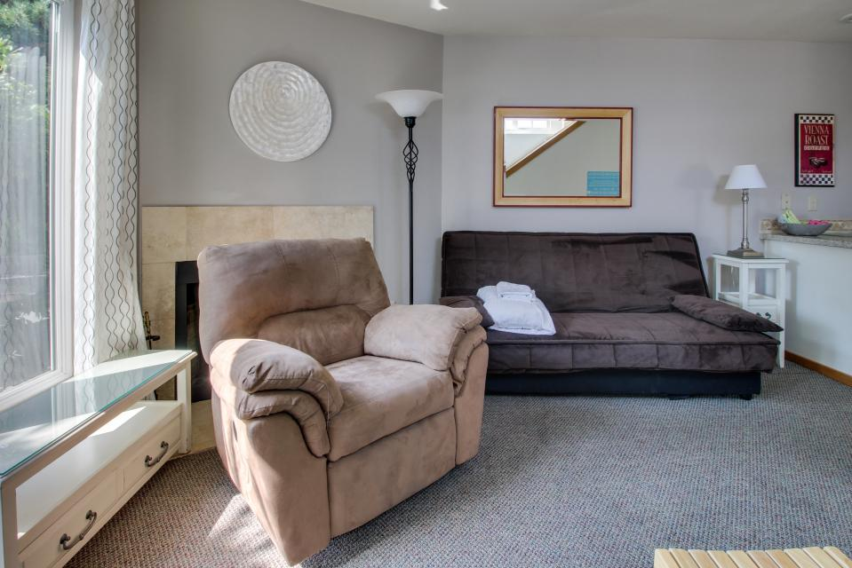 Beaches Inn Townhomes - Cannon Beach Vacation Rental - Photo 4