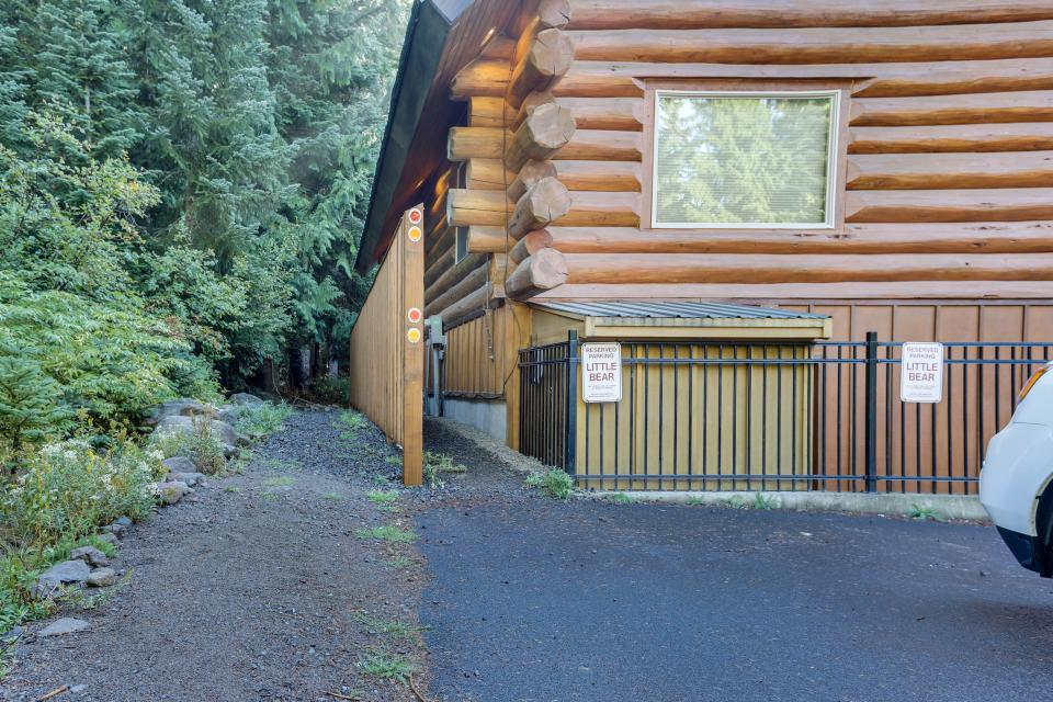 Little Bear Cabin - Government Camp Vacation Rental - Photo 24