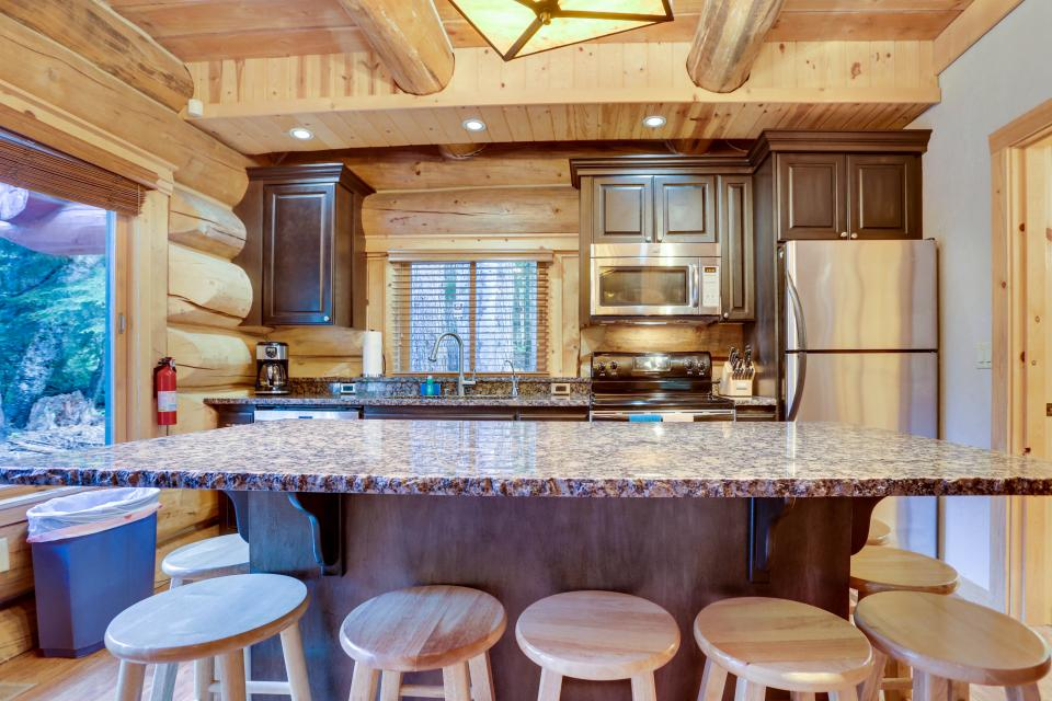 Little Bear Cabin - Government Camp Vacation Rental - Photo 5