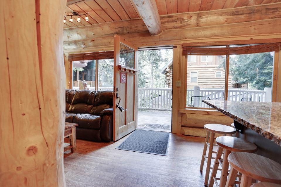 Little Bear Cabin - Government Camp Vacation Rental - Photo 6