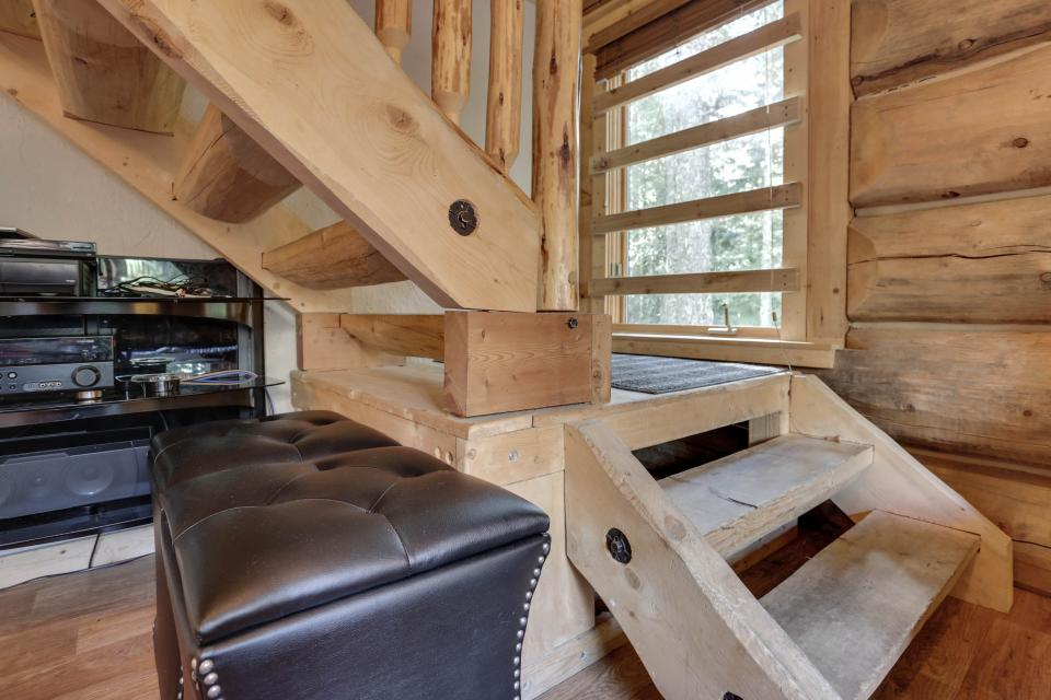 Little Bear Cabin - Government Camp Vacation Rental - Photo 8
